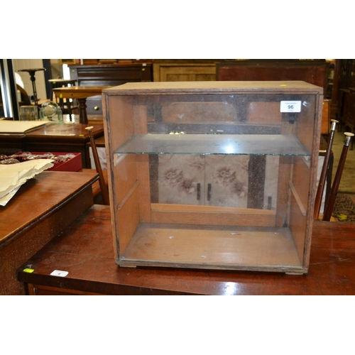 96 - Shop display case with glass shelf...