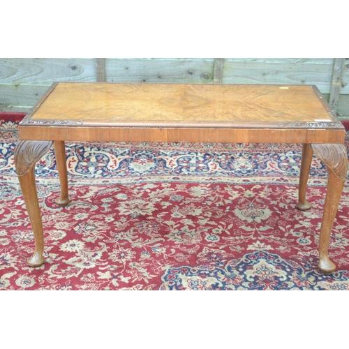 44 - Cabriole legged walnut veneered coffee table W79 D42 H41cm