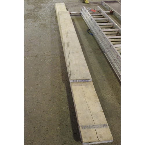 29 - 4 X SCAFFOLD BOARDS...
