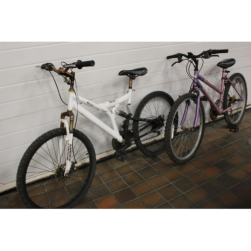 20 - PINK PURPLE FUSION UNIVERSAL BIKE (8204)WHITE ZOOM BIKE PERFORMANCE (8220)...