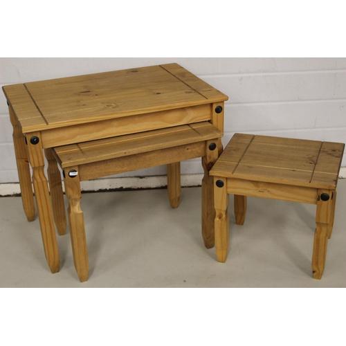 51 - CORONA NEST 3 TABLES...