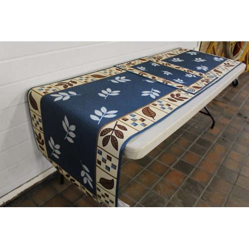 11 - 8FT RUNNER & WASHABLE DOOR MAT...