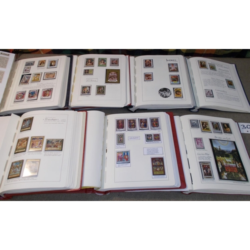 30 - Collections; Thematics; Art; seven large Lighthouse albums with a collection of Art, arranged by art...