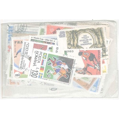12 - Collections and Mixed Lots; Thematics; Football; packet of 100 different, mainly c.t.o.