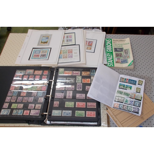 17 - Mixed Lots; flat box with a stockalbum of mainly u. USA, bundle of pages with Hungary miniature shee...