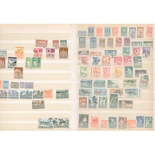 506 - Mixed Lots; 16-sided stockbook of Brasil, Bulgaria, Burundi, Cambodia, Cameroun, Central African Rep...