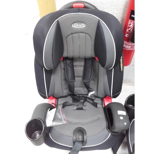 14 - Brand new Graco car seat...