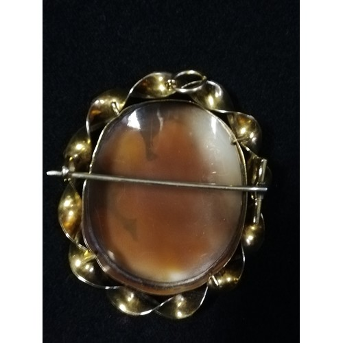 3 - Unmarked gold mounted cameo brooch depicting an angel...