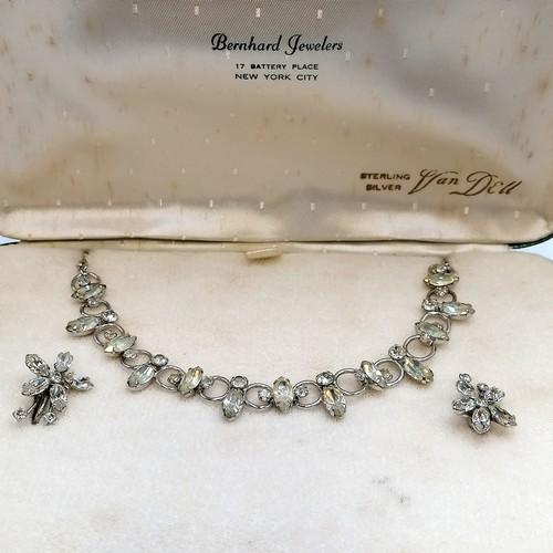 211 - Van Dell paste set necklace (16