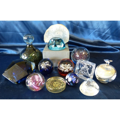 142 - A Mdina Style Heavy Bulbous Paperweight and 12 various other paperweights (13)...