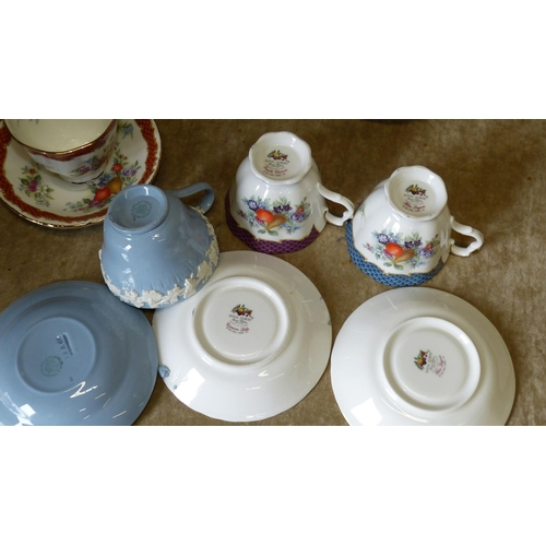 162 - A Set of 6 Royal Albert Cups and Saucers
