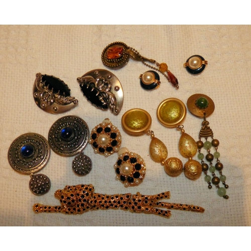 463 - A Quantity of Various Costume Earrings etc, also a brooch in form of a panther...
