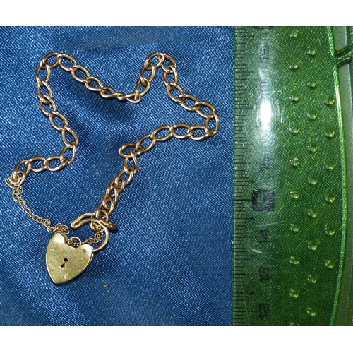 478 - A Small 9ct Gold Linked Bracelet having padlock clasp, 6.2gms...