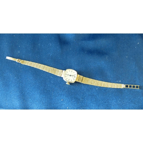 498 - A 9ct Gold Ladies Rotary Wrist Watch with matching gold strap bracelet, weighable gold 13.1gms gross...