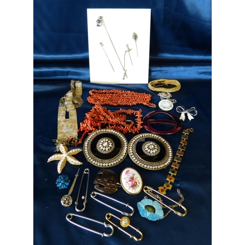 507 - A  1920's Sash Necklace and a quantity of various of costume and other jewellery...
