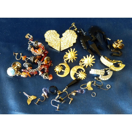 508 - A Small Quantity of Various Earrings...