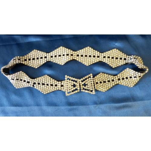 526 - A Paste Belt, 71cm long...
