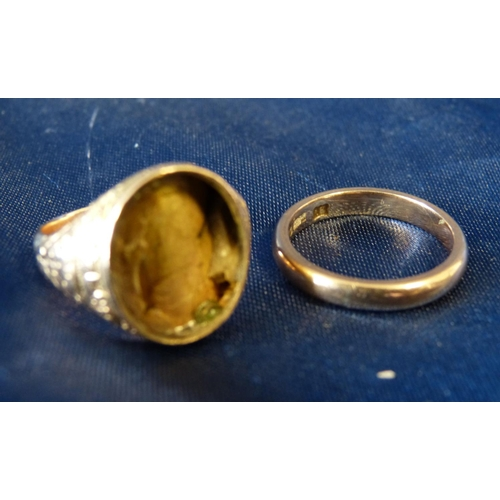 544 - A 9ct Gold Wedding Ring, also another oval ring (stone missing) 5.4gms...