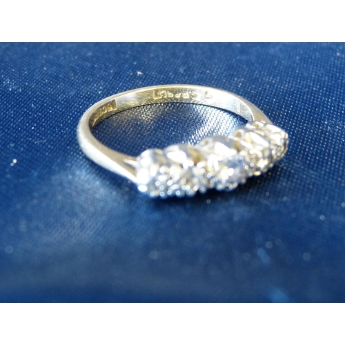 553 - An 18ct Gold Ladies 5 Stone Diamond Ring...