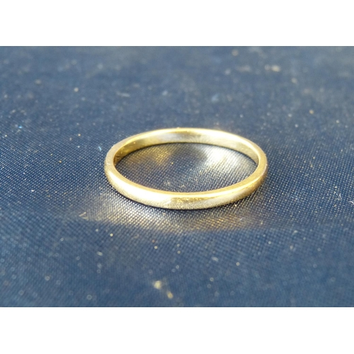 564 - An 18ct Gold Wedding Ring, size U, 2.7gms...