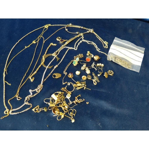 578 - A Quantity of Various Gold, Silver and Odd Jewellery Pieces...