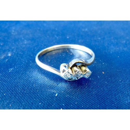 596 - A 9ct Gold Small 3 Stone Diamond Ring, ring size T/U...