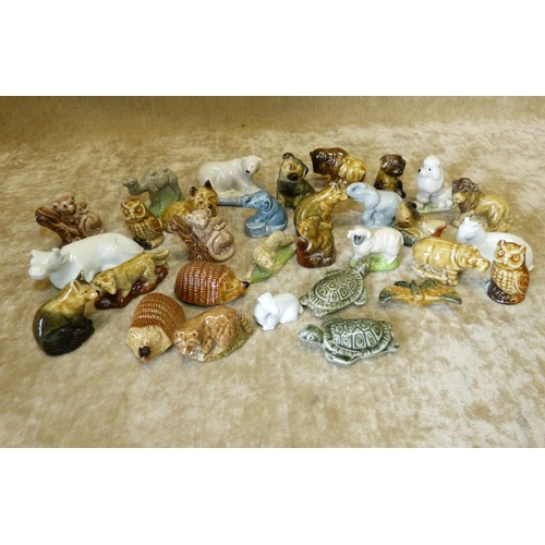 72 - 31 Wade Whimsies and other china animals (31)...