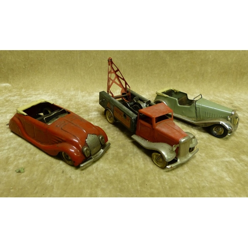 731 - A Minic Key Wind Car another Minic key wind car, and a Minic breakdown truck (3)...