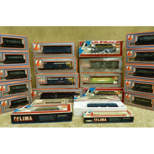 777 - A Lima 42700 Locomotive with tender boxed, 2 Lima locomotives 33056/33027 both boxed and 20 various ...