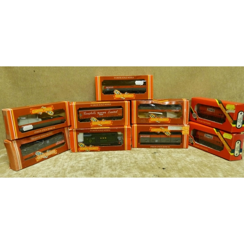 780 - A Hornby 00 Gauge GWRD 3010 Locomotive boxed and 8 Hornby trucks etc all boxed (9)...