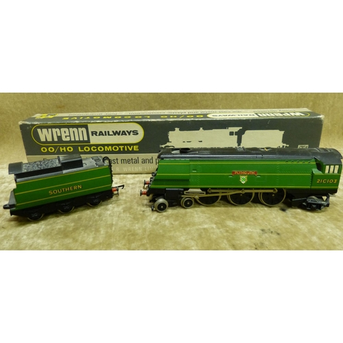 787 - A Wren 00 Gauge Locomotive W2266 Plymouth 4-6-2 S.R. Green, boxed...