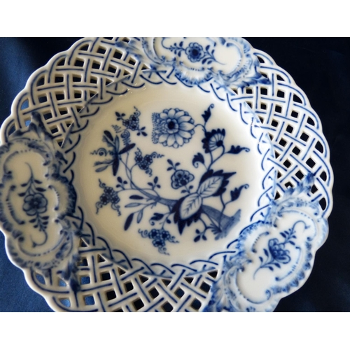 8 - A Pair of Meissen Round Scalloped Ribbon Plates on blue and white onion pattern ground, 21cm wide...