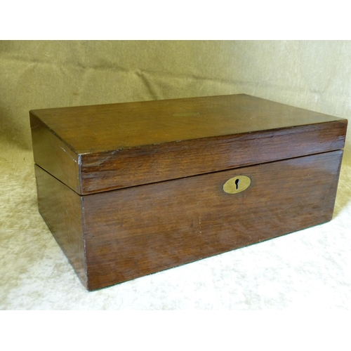 814 - A Mahogany Rectangular Writing Box having hinged lid enclosing writing slope and fitted interior, 35...