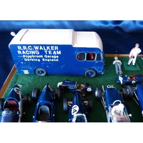 831 - A Presentation Set R.R.C Walker F1 Racing Team, Dorking Surrey, including all miniature racing model...