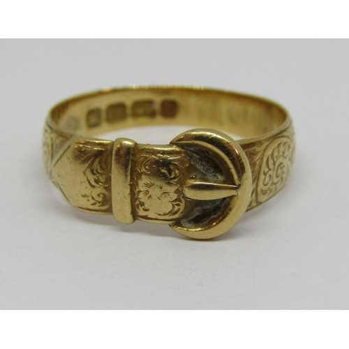 280 - 18ct buckle ring with engraved decoration,size P,3.8g...
