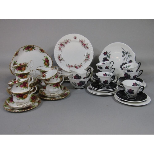 31 - A collection of Royal Albert Old Country Roses pattern teawares comprising milk jug,sugar bowl,cake ...