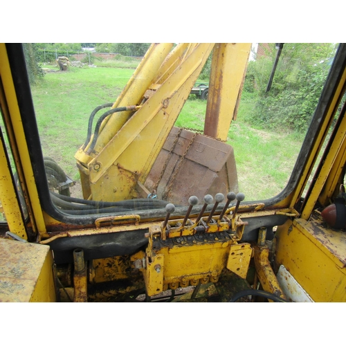 408 - Massey Ferguson 40 industrial tractor/digger/loader displaying 6288 working hours, MF84 4162 cab num...