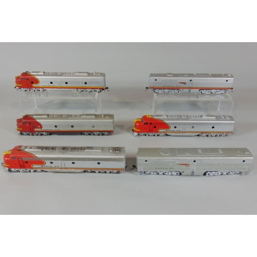 6 HO Santa Fe locomotives by Rivarossi, some powered with war bonnet. all unboxed (6)