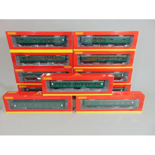 38 - 11 Hornby Maunsell coaches in green livery, boxed with original packaging (11)...