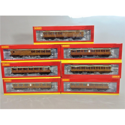 41 - 7 Hornby coaches: LNER Gresley Suburban coaches x3  and LNER Thompson suburban coaches x4. All with ...