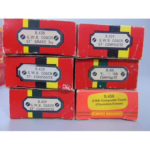 44 - Mixed Hornby boxed coaches including R4562 Operating Mail coach and 11 others (12)...