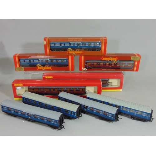 6 - Collection of 'Coronation Scot' coaches comprising boxed R423 x2, R422, R4142 and R4141A and 4 unbox...