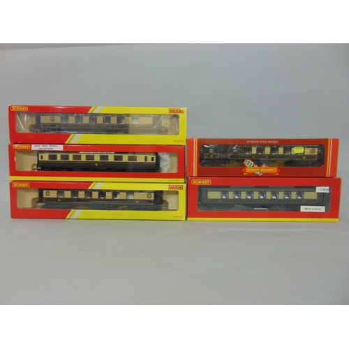 33 - 5 Hornby Pullman coaches: R4312 'Rosemary' x2, R4427 'Car no 66' with lights, R233 Brake 1st, and a ...