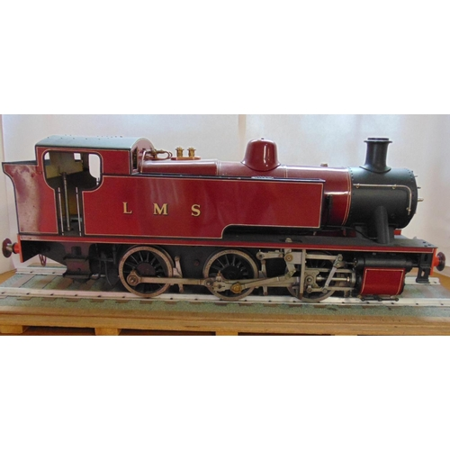 231 - 5 inch gauge Live Steam LMS 0-6-0 Locomotive in maroon livery. The model looks to be well engineered...