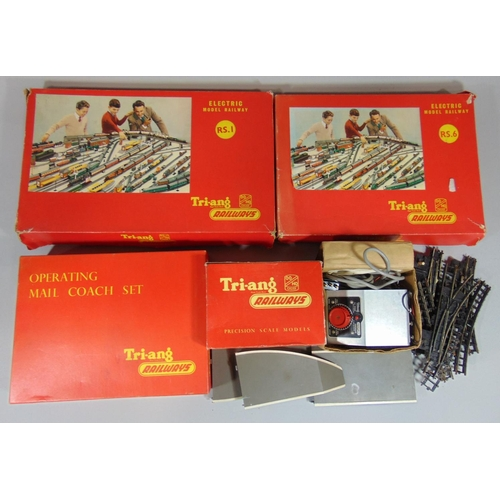 232 - Collection of Triang Railway models including R323 Operating Royal Mail Coach set, R56 and R51 Model...