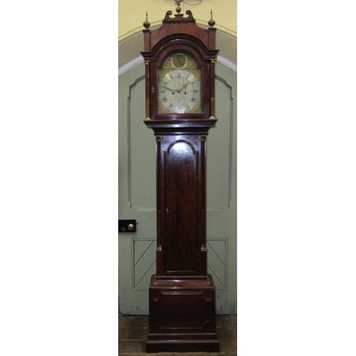 2054 - A good George III mahogany longcase clock, the trunk with arched and panelled door enclosing a flame...