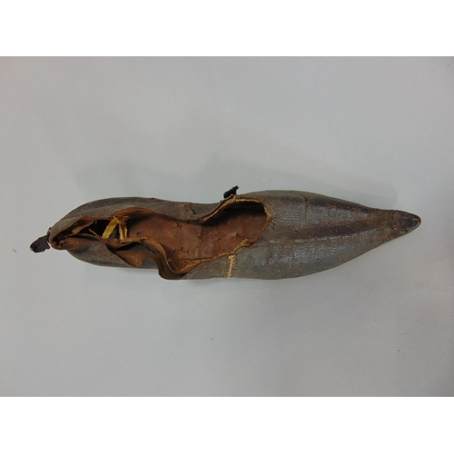 1530 - Early 19th century hand made ladies shoe in black leather with pointed toe and short heel...