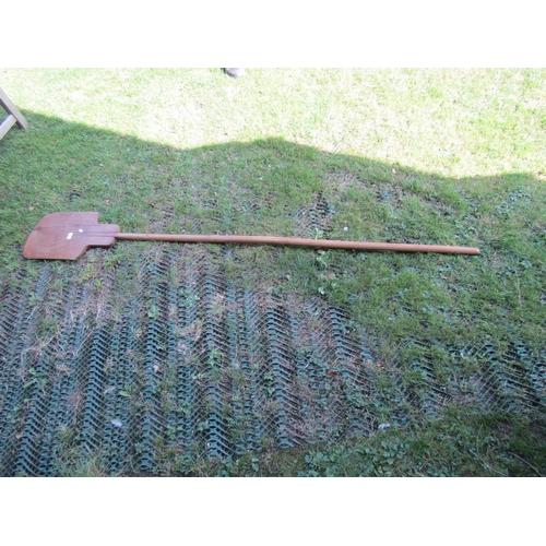 2665 - Antique elm bakers paddle, 220cm long...