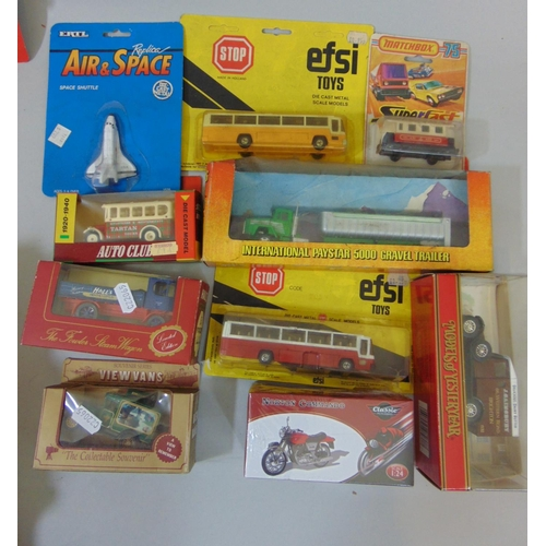 30 - Mixed boxed model vehicle collection including 5 Lledo 'Pioneers of Aviation' sets, others by Carara...