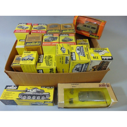 43 - 19 boxed Solidor military model vehicles...